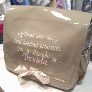 Bolso cambiador bebé con nombre bordado