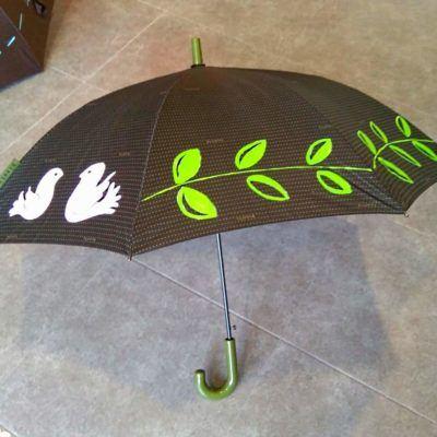 Paraguas pintados a mano originales con pájaros y hojas dibujadas