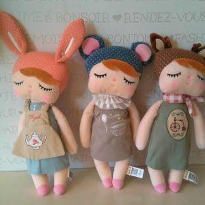 Muñecas y Mochilas  Metoo con nombre