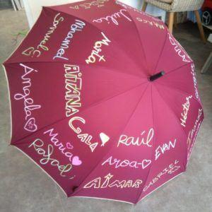 Paraguas con nombre y letra de los alumnos – Burdeos