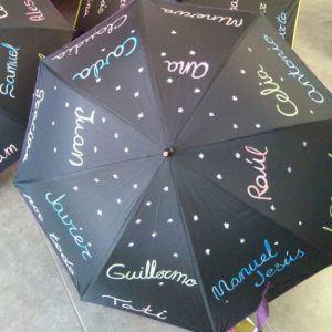 Paraguas con nombre y letra de los alumnos – Negro