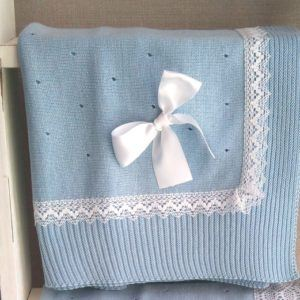 Toquilla Manta de punto con puntilla fina – Azul claro