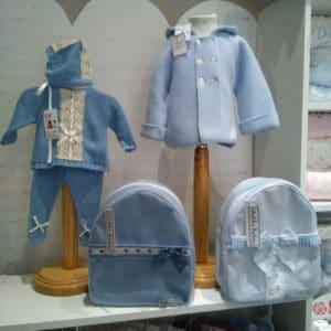 Trajecitos de punto bebé con nombre bordado