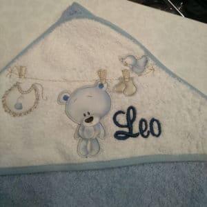 Capa de baño oso tendido azul 100×100
