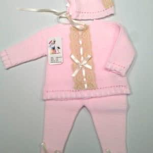 Trajecito de punto lana rosa con capota  0 meses