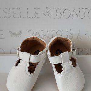 Zapatos sandalia en blanco