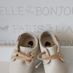Zapatos cordones crema